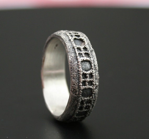 SAMPLE SALE - 50% OFF - sterling silver ring with a geometric lace pattern -  ready to ship in size 8 1/4