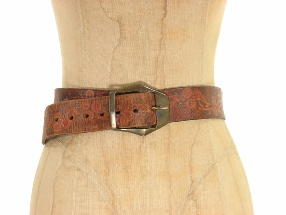 60s Brown Leather Floral Belt / Hippie Boho Tooled Distressed / Small