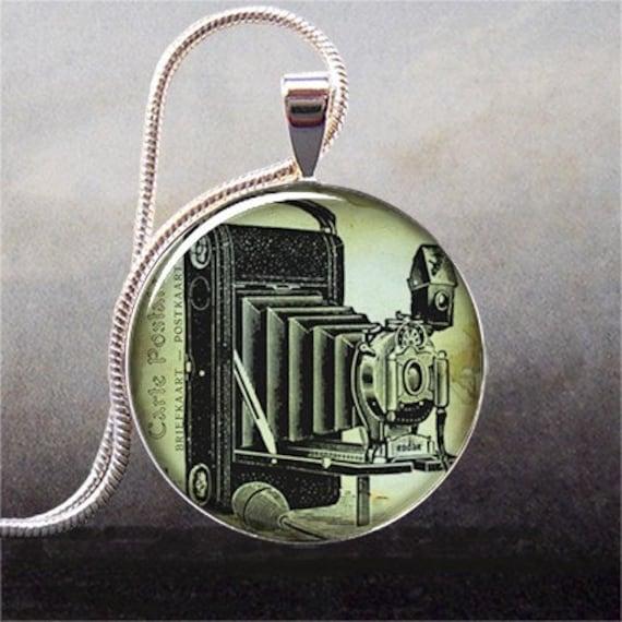 Antique Camera pendant, camera necklace resin pendant, photo pendant, camera jewelry,