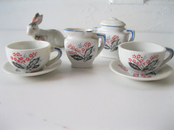 Vintage Doll Tea Set/ MidCentury /Red Berries/ Black and Gray Leaves/ 7 Pieces/ Japanese  from Tessiemay