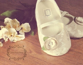 Baby Girl Shoes Toddler Girl Shoes Champagne Flower Girl Shoes Champagne Shoes Lace Flower Girl Shoes Buff color flower girl shoes -PRINCESS