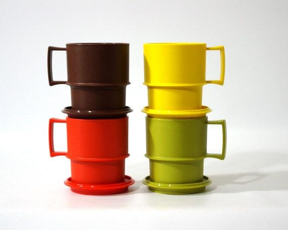Vintage Tupperware Mugs with Coaster Lids