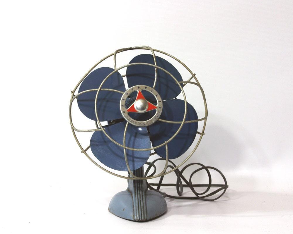 Vintage Handy Breeze Electric Fan 1950s Desk Fan Two Tone