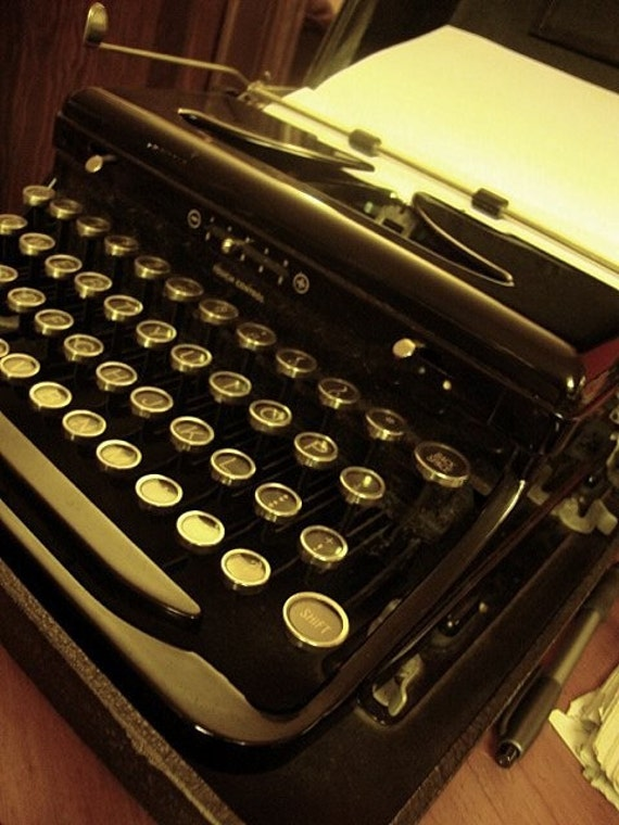Reserved for Anita1935 Royal Standard Portable Model O typewriter with Touch Control YOWZAH