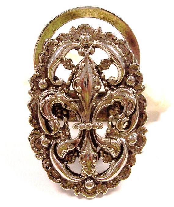 VINTAGE Fleur De Lis Silver CLIP Filigree Metal Scarf or Dress Clip FAsHION Jewelry Destash Ready to Wear (F164)