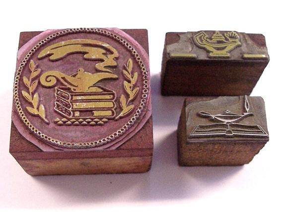 VINTAGE Type Blocks Printers Blocks Lamp of KNOWLEDGE Stamps Scrapbooking Advertising (M41)