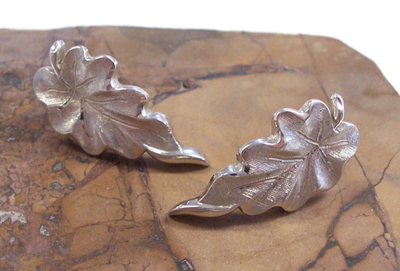 Reserved for Cynthia VINTAGE Earrings MONET Leaf Earrings Silver Leaves Leaf Earrings Fashion Ready to Wear Vintage Jewelry Destash (M84)