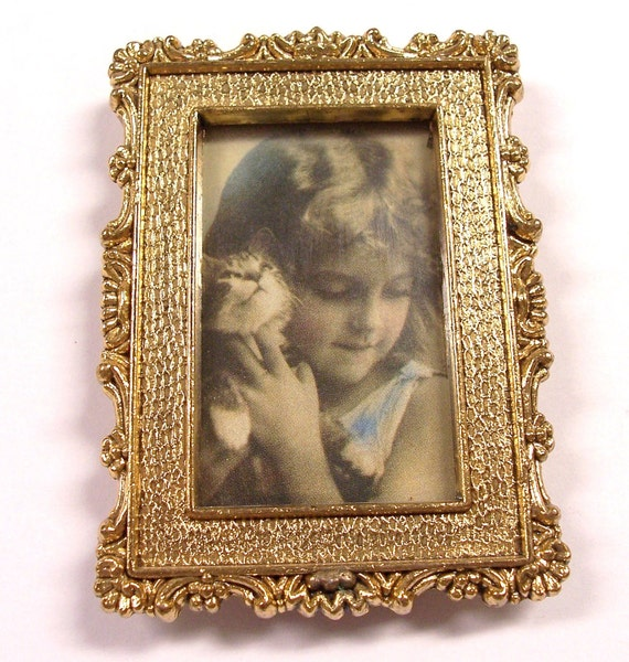 VINTAGE Gold Picture FRAME with Vintage Photo of Girl with Kitten Sweet Small Frame (Y63)
