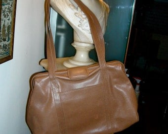 Vintage 1970s Meyers Luggage Color Leather Handbag
