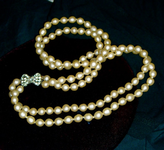 1950s Double Strand Champagne Glass Pearl Necklace