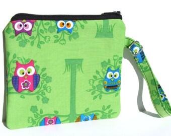 Small Wristlet Purse Wrist Clutch Evening Handbag Zipper Pouch Adjustable Wrist Strap - Sitting Owls Fabric