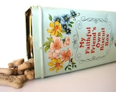 Vintage Biscuit Tin  English from AllieEtCie