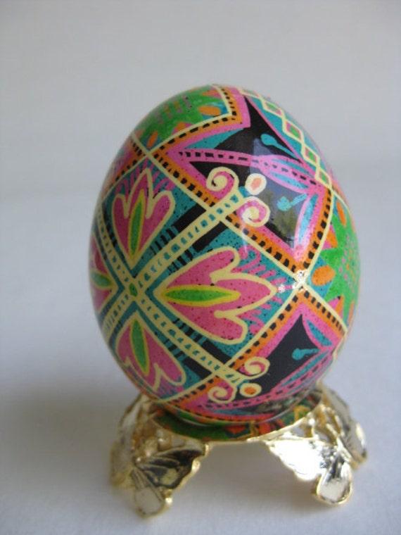 Pysanka, batik egg on chicken egg shell, Ukrainian Easter egg, hand painted egg ornament
