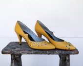 Vintage Yellow Leather Cut Out Pumps J.R. Carus - Price REDUCTION