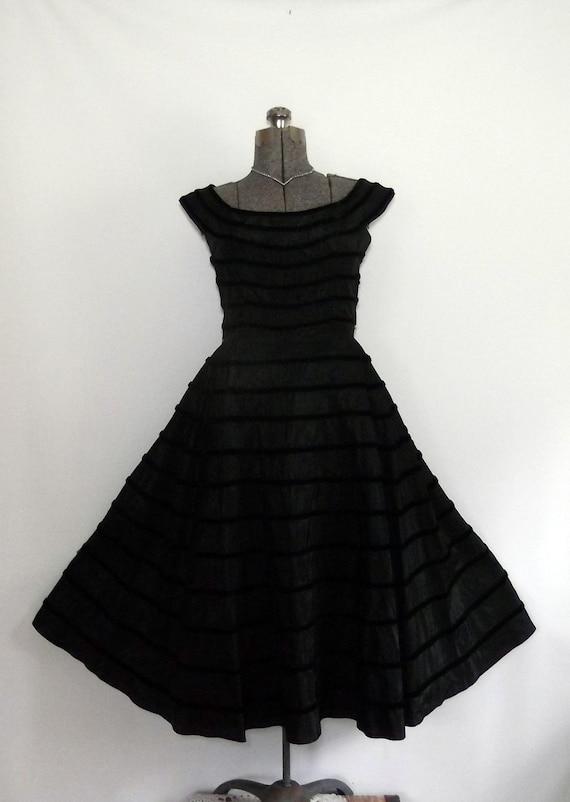 Formal Black Dress Vintage 1950s Rockabilly Fitted Bodice/Full Swing Skirt