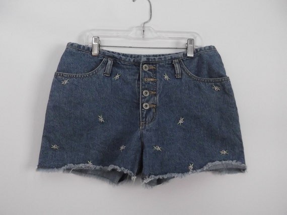 how to cut jeans into daisy dukes