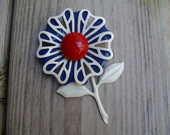 3-D Enamel Flower BROOCH PIN Hippie Mod Patriotic Red White Blue vintage 1960s 1970s
