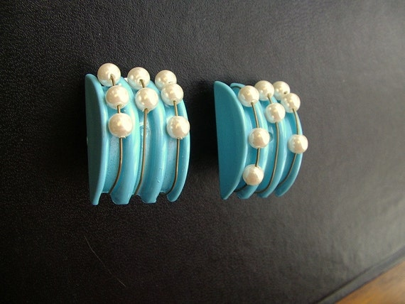 1960s blue with faux pearl beads mod clip earrings