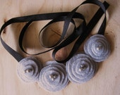 Gray Poppy Felt Bib Necklace - Line Cinza