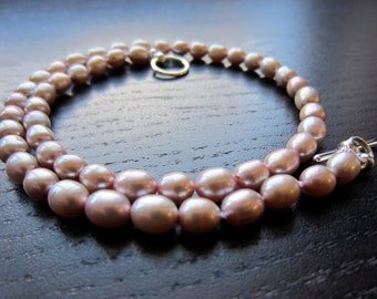 Light burgundy freshwater pearl necklace