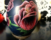 Goose Egg - Lithuanian Etched Egg Present  Black Red White Roses - Carved - Stand or Ornemant - Easter - Egg Ar