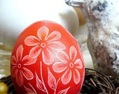 Easter Egg - Seen on the Martha Stewart Show - Hand Etched - Flowers - Daises - Egg - Lithuanian Pysanky Present - Stand or Ornament