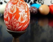 Easter Basket Present - Etched Egg Orange Daisies and Tulips European Hand Scrathed Lithuanian Carved - Stand or Ornament