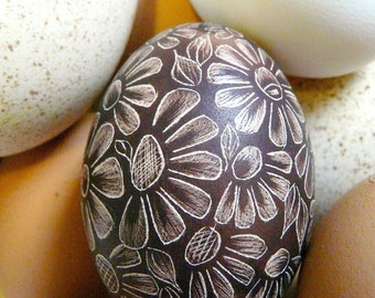 Easter Etched Scratched Egg - Flowers Chicken - Lithuanian Poland Ukraine European Pysanky Present Real Egg - Stand or Ornament