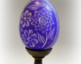 Flower Etched Egg Flower Scratched European Lithuanian Ukraine Poland Carved Pysanky Egg Art - Stand or Ornament - Easter Basket - Present