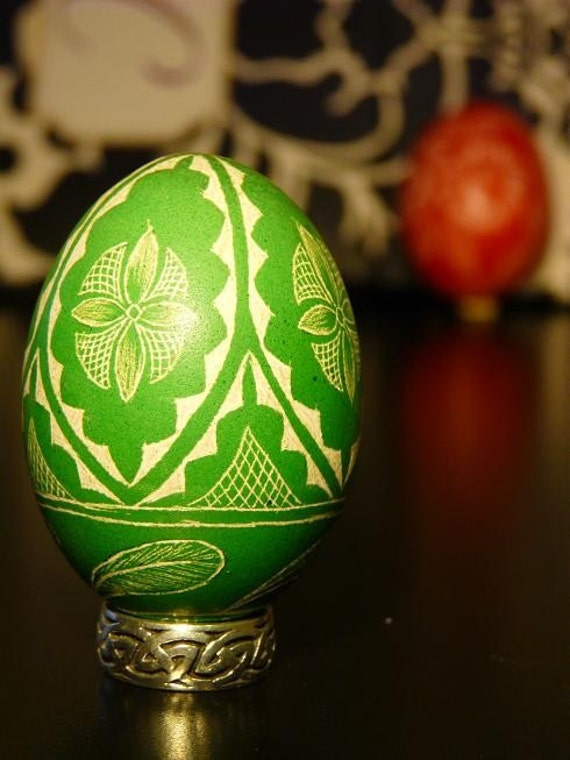 Seen on the Martha Stewart Show - Lithuanian European Chicken Egg Scratched Geometric Pysanky Handcrafted - Stand or Ornament