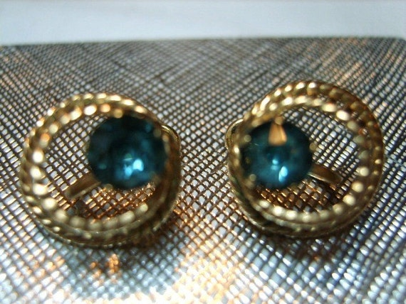 Van Dell 1\/20 12 KGF Gorgeous Earrings with Blue Glass Stone