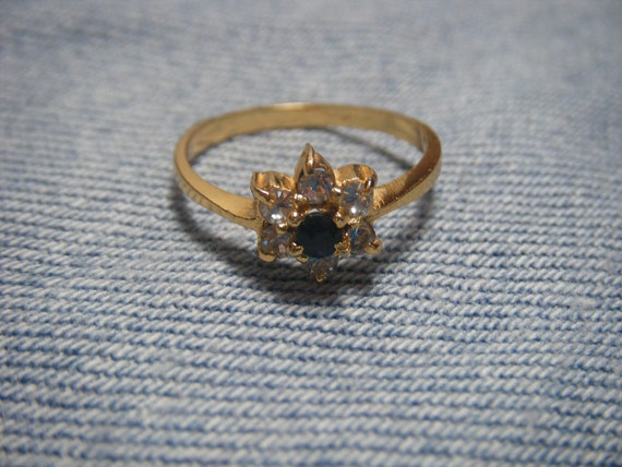 Vintage Ring, Vintage Rhinestone Ring Black Flower Size 6-7