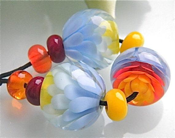Made to order: Summer Chrysanthemum Flower beadset (9) made by Caroline Dousi (SRA)