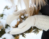 SALE 20 % White Prince's Knitted Mittens M/L