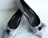 BETTER THAN DOROTHYs Vintage Nine West Ballerina Flats in Sparkling Silver with Genuine Mink Pompons  Size 6.5