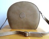 PILLBOX BAG 80s Leather Shoulder Bag Purse Hard Case in Peaceful Beige