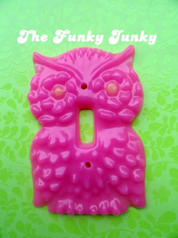 Hot Pink Owl Light Switch Cover with Glow in the Dark Eyes