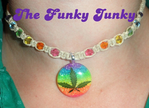 REAL MARIJUANA LEAF Neon Rainbow Beaded Skinny Hemp Necklace Small Round Pendant Roach Clip Clasp