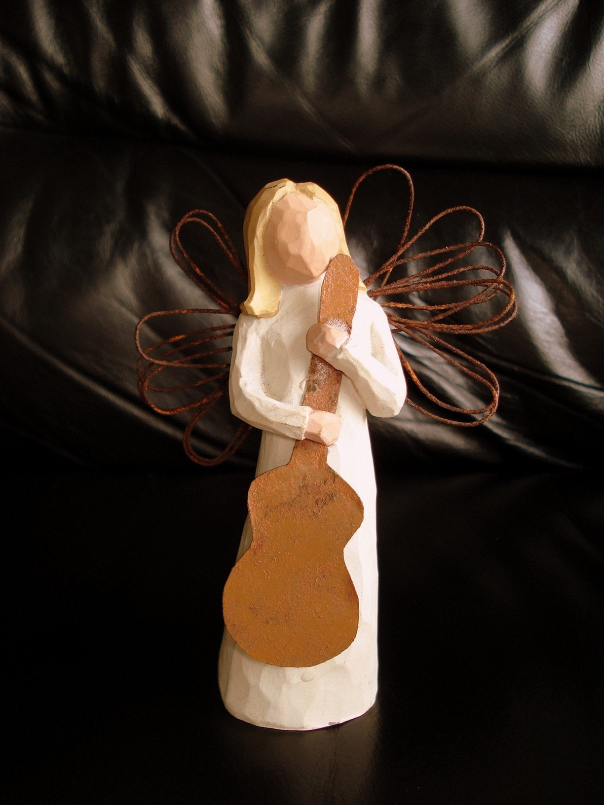 collectibles willow tree angel of song figurine. Black Bedroom Furniture Sets. Home Design Ideas