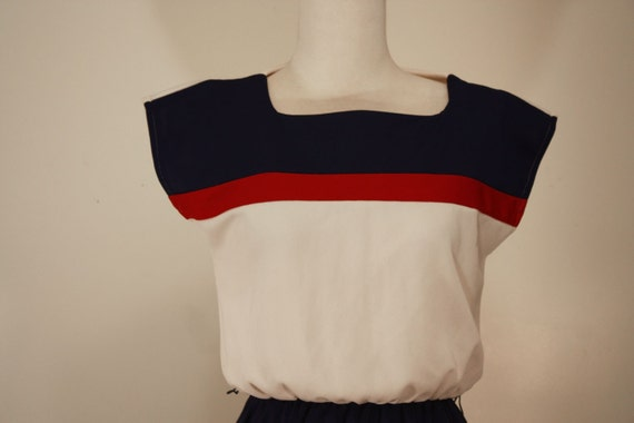 1970s short sleeved navy red and cream striped casual dress