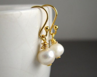 Bridesmaid Pearl Earrings Gold, 5 Sets, Wedding, 14K Gold, Ivory White Freshwater Pearls