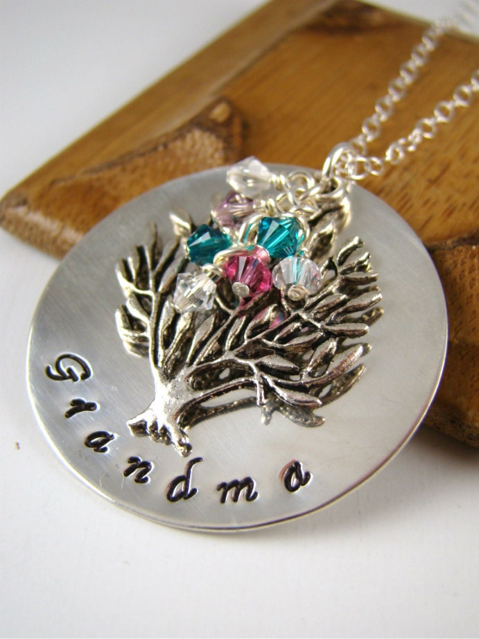 Personalized Grandma Gift Necklace Custom Family Tree Pendant