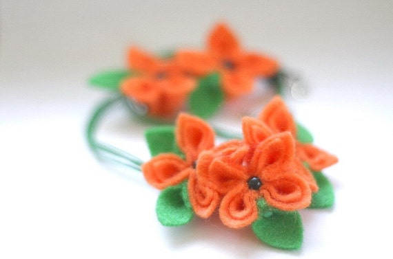 SALE Orange Crunch, Felt Flower Set, Flower Necklace and Earrings