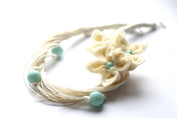 SALE Vanilla and Turquoise Felt Flower Necklace