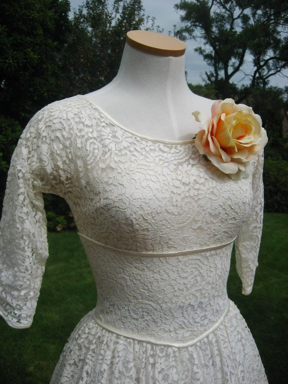 SALE Vintage 1950s Ivory Eyelet and Tulle Wedding Dress
