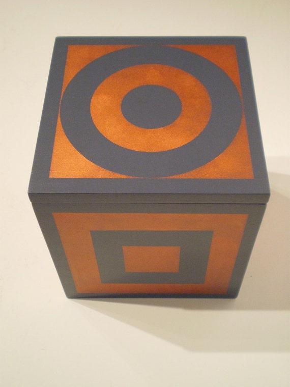 Red Beach decorative gift box