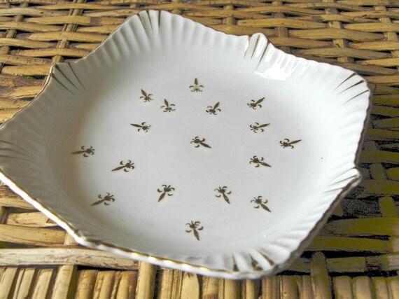 vintage fleur de lis dish gold & white FIVE DOLLAR SALE