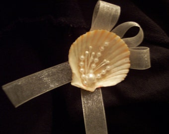Seashell Boutonniere with Pearls and Flowers