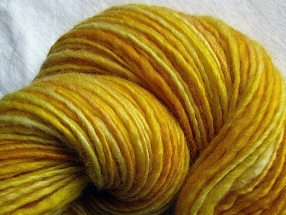 Handspun Yarn Thick and Thin Single Blue Faced Leicester 'Sweet Corn'