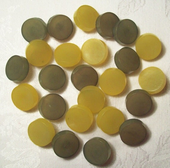 RED HOT SALE - Vintage Plastic Retro Lemon Yellow and Olive Green - 25 in lot - Fat and Chunky - Shanks
